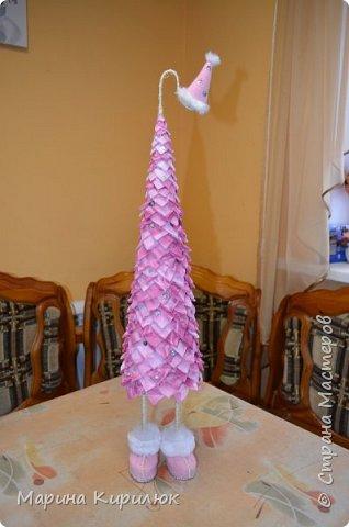 Эта елочка для владельцев салона тканей в подарок. Мне она очень понравилась. Спасибо всем мастерицам за МК.  фото 1