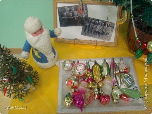 Несколько лет назад мы с детьми работали над проектом, посвященным ёлочной игрушке. Была проделана огромная работа всего коллектива и родителей всех групп детского сада. фото 9