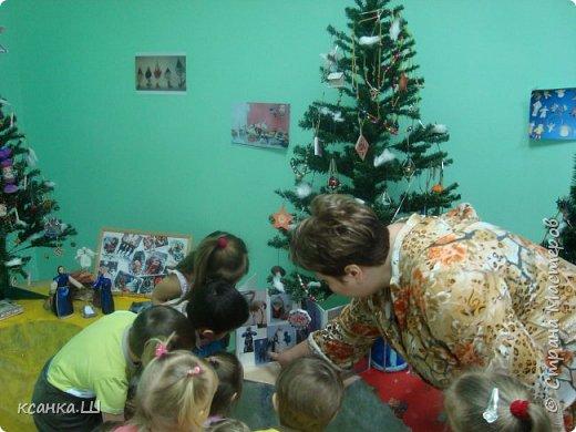 Несколько лет назад мы с детьми работали над проектом, посвященным ёлочной игрушке. Была проделана огромная работа всего коллектива и родителей всех групп детского сада. фото 14