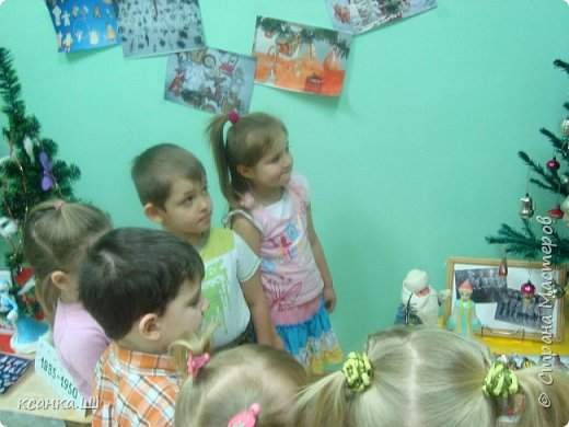Несколько лет назад мы с детьми работали над проектом, посвященным ёлочной игрушке. Была проделана огромная работа всего коллектива и родителей всех групп детского сада. фото 16