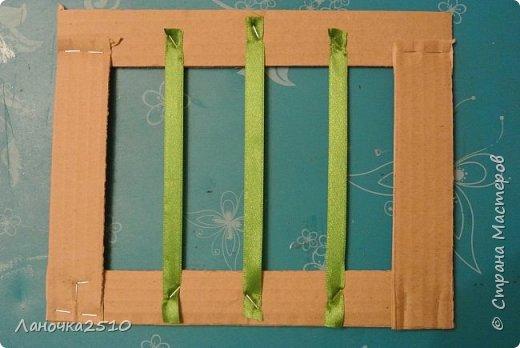 И снова мы....очумелые умельцы  из д\садовской мастерской... Сегодня мы изготовили новогодние фоторамочки....(вместо фото сейчас в рамку вставлен лист фотобумаги)...Держится -прекрасно! ну - всё по порядку... фото 6