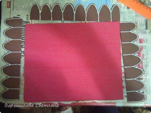 Это наша поделка в садик.Засняла процесс,может кому пригодится.Из материалов:тесто соленое,гуашь,клей ПВА,горячий пистолет,картон,контуры,,соль каменная,блестки,шаблоны бумажные,карандаш,кисточка,ножницы,нож канцелярский. фото 18