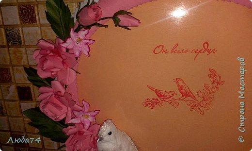 """Всем доброго вечера! Еще в августе месяце был у меня заказ от молодого человека. Сделать подарок из бумаги для жены к годовщине """"бумажной свадьбы"""". Времени было мало, всего лишь полтора суток. Решила им сделать фото рамку, открытку и букет с конфетами. фото 7"""