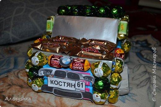 Машина из конфет фото 1