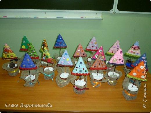 Мы готовимся к Новому году. Решили сделать ёлочки, использовали МК  Irina-Toshka Klimova. https://stranamasterov.ru/node/968066?c=favorite За что большое спасибо. фото 1