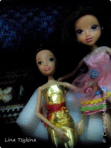 """Привет! Это моя работа на конкурс """" Новогоднее чудо """". Знакомтесь - это моя кукла Ирина ( в золотистом платье) и её подруга Софина. фото 3"""