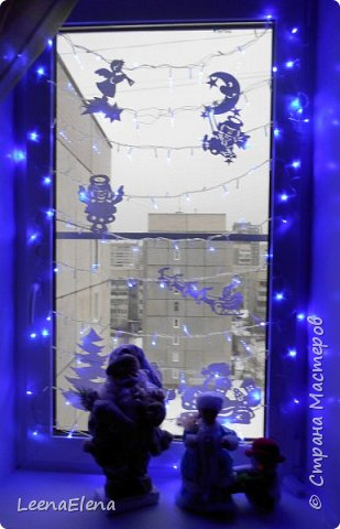 Украшение окна к Новому году.