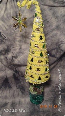 я не знаю, есть ли кто в МИРЕ, кто наворотил в этом году елок. больше чем я, с минимальным набором материалов старалась сделать разные. Часть 1-я https://stranamasterov.ru/node/970756 фото 63