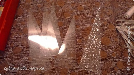 Гардероб Мастер-класс Новый год Аппликация Моделирование конструирование Шитьё Корона снежной королевы Бисер Картон Кружево Ленты Проволока Ткань фото 2