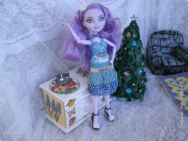 Участвовала в новогоднем обмене подарками. Вот, что  подарила я. Наряд на куклу Китти Чешир, Работу представляет моя Фиалка  фото 2