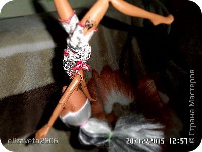 Привет! Пошился спортивный костюмчик для Беллы. Он мне вообще очень нравится, он подходит к цвету волос у Беллы. фото 16