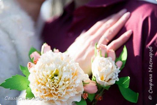 """Вот моя рассекреченная хотелка с конкурса """"Порадуем себя любимых!"""". В этой работе сошлись сразу два моих давних желания 1. научиться делать достоиные реалистичные цветы из фома, 2. сделать комплект свадебных украшений. Для первого раза - не плохо получилось! И сразу же нашлась невеста для этой работы).  фото 12"""