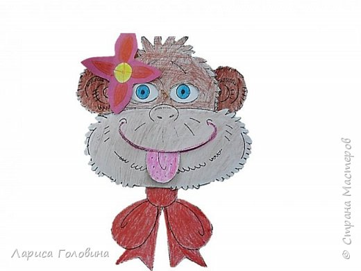 Эту игрушку - обезьянку нашла на сайте Лунтики.Игрушка из двух деталей, скреплена проволокой. Если поворачивать бант влево и вправо, обезьянка смешно закатывает глаза. Цветную картинку немного обработала и распечатала для раскрашивания фото 2