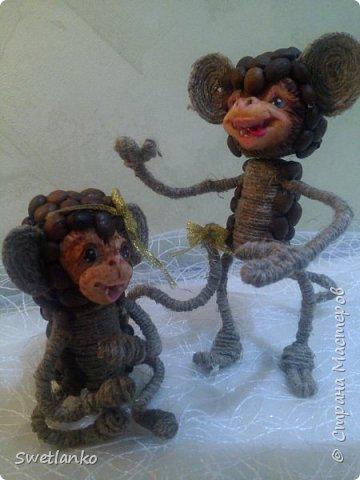 Предлагаю сделать такую кофейную обезьянку, совместив намотку джутовым шпагатом с кофе и лепкой. фото 22