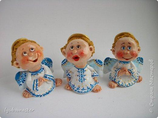 Здравствуйте дорогие мастера !!!! Наконец таки я сменила тематику. Рождественские малепусинькие ангелочки... Размер- 5,5-:6см. Краски- акрил. гуашь , акварель и контуры. фото 2