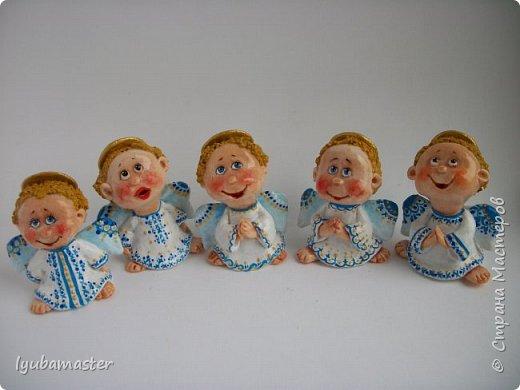 Здравствуйте дорогие мастера !!!! Наконец таки я сменила тематику. Рождественские малепусинькие ангелочки... Размер- 5,5-:6см. Краски- акрил. гуашь , акварель и контуры. фото 1