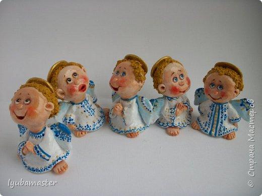 Здравствуйте дорогие мастера !!!! Наконец таки я сменила тематику. Рождественские малепусинькие ангелочки... Размер- 5,5-:6см. Краски- акрил. гуашь , акварель и контуры. фото 4