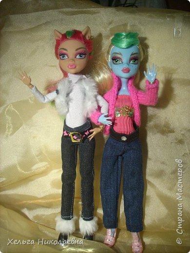 Здравствуй, Страна Мастеров! Продолжаю выкладывать обновки для кукол.  Стала замечать что, у каждой куклы свой характер. И позируют только в своих определённых позах, пыталась поставить Лагуну в другие позы брыкается, с леди также история.  фото 1