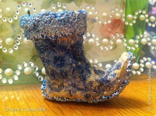 Вот такая у меня сегодня туфелька:) Надеюсь, Вам понравится. Конечно же она очень простая, но на всякий случай покажу как делала. Она из серии неограниченных возможностей пластилина в технике папье- маше.  фото 27