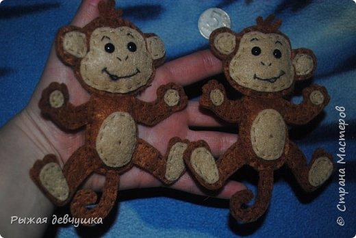 Вот мои красавцы! МК на них http://ped-kopilka.ru/blogs/tatjana-aleksandrovna-karaeva/master-klas-novogodnja-igrushka-obezjanka.html. На любоваться не могу))) фото 2