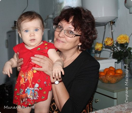 Здравствуйте! Эту открыточку делала внучке на 2 годика. Давно мне нравится эта картинка. На мою Вареньку похожа. Варе эта открытка понравилась. Она сразу узнала котенка и тыкала в него пальчиком: это Маленький, это Рыжик!  И согласилась, что девочка - это Варя. фото 15
