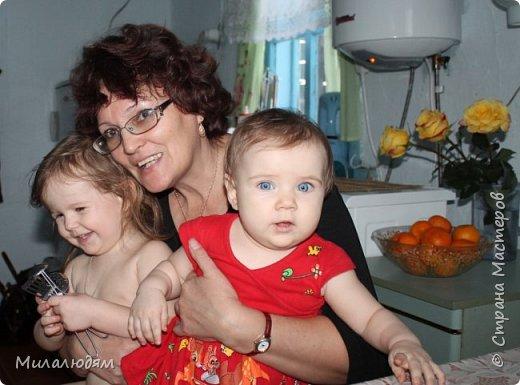 Здравствуйте! Эту открыточку делала внучке на 2 годика. Давно мне нравится эта картинка. На мою Вареньку похожа. Варе эта открытка понравилась. Она сразу узнала котенка и тыкала в него пальчиком: это Маленький, это Рыжик!  И согласилась, что девочка - это Варя. фото 16