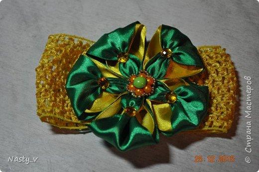 Здравствуйте. Делала для дочки бантик под платье для утренника. Вот по этому мк http://www.mamakuban.ru/index.php/blog/116-kanzashi-master-klass-povyazki-malyshki.  фото 1