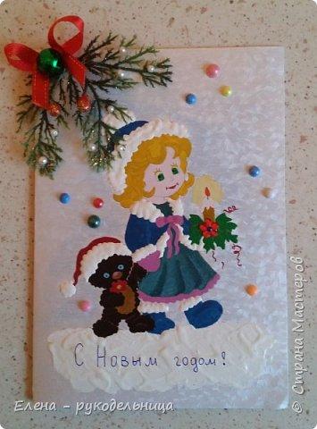 """Новогодний подарок моей любимой учительнице по пению. На этой картине в стиле батика, я изобразила нашу с ней деятельность: её за роялем и себя в костюме снегурочки с микрофоном , а на верху ноты песни под названием """" Рождество Христово """" . фото 3"""