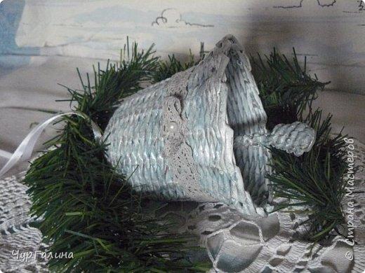 Зимние поделочки для ёлочки. Кстати, ёлочку объемную плел мой 8- летний сын. фото 3