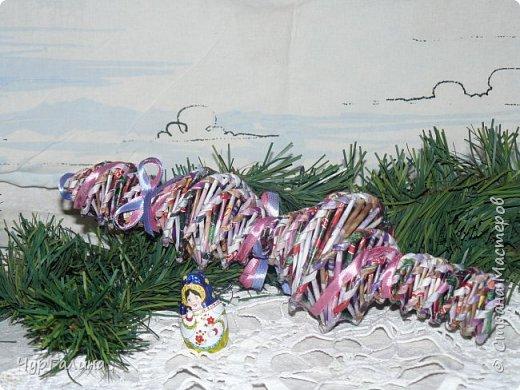 Зимние поделочки для ёлочки. Кстати, ёлочку объемную плел мой 8- летний сын. фото 7