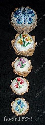 Захотелось немного потворить в подарок знакомым рукодельницам - игольницы нужны всегда там, где шьют и вышивают.... фото 7