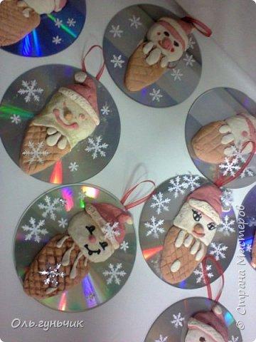 Еще раз здравствуйте! хочу показать новогодние работы своих учеников. Вот такие дед морозики получились у третьеклашек. Спасибо большое за МК: https://stranamasterov.ru/node/476488?c=favorite фото 18
