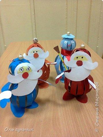 Еще раз здравствуйте! хочу показать новогодние работы своих учеников. Вот такие дед морозики получились у третьеклашек. Спасибо большое за МК: https://stranamasterov.ru/node/476488?c=favorite фото 1
