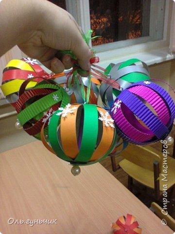 Еще раз здравствуйте! хочу показать новогодние работы своих учеников. Вот такие дед морозики получились у третьеклашек. Спасибо большое за МК: https://stranamasterov.ru/node/476488?c=favorite фото 28