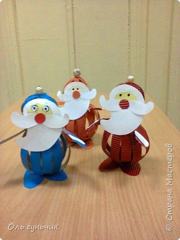 Еще раз здравствуйте! хочу показать новогодние работы своих учеников. Вот такие дед морозики получились у третьеклашек. Спасибо большое за МК: https://stranamasterov.ru/node/476488?c=favorite фото 4