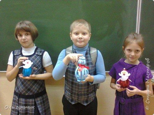 Еще раз здравствуйте! хочу показать новогодние работы своих учеников. Вот такие дед морозики получились у третьеклашек. Спасибо большое за МК: https://stranamasterov.ru/node/476488?c=favorite фото 9