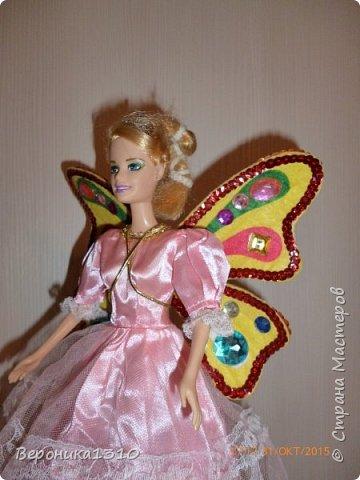 Хочу представить вам мини-МК крыльев для куклы. Дочка увлекается феями вот и решили вместе с ней сделать этот элемент одежды. Скажу, что ребенку 4.5 года поэтому крылья должны выдерживать любые трансформации. Много лазила по СМ и инету, но ничего подходящего и крепкого не встретилось, все больше декоративное, играть таким ребенку в 4 года нельзя. Вот подумала подумала и.. придумала. Если кому пригодится- буду рада. фото 11