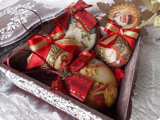 Новогодний наборчик))) большой, красивый))) два медальона (диаметр 12 см), 2 шарика (диаметр 8 см) и звездочка..... фото 1