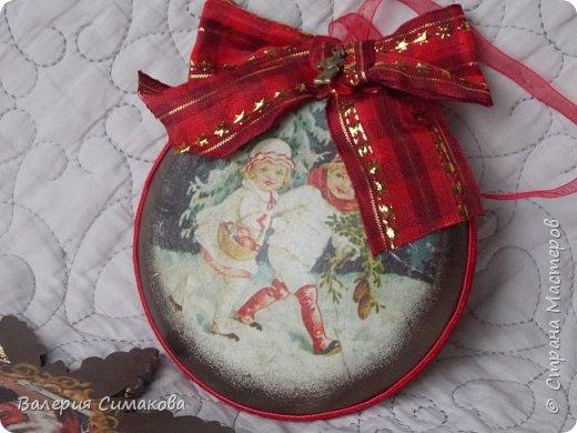 Новогодний наборчик))) большой, красивый))) два медальона (диаметр 12 см), 2 шарика (диаметр 8 см) и звездочка..... фото 7