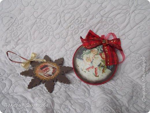 Новогодний наборчик))) большой, красивый))) два медальона (диаметр 12 см), 2 шарика (диаметр 8 см) и звездочка..... фото 6