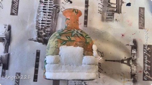 Декор предметов Мастер-класс Новый год Лепка Папье-маше Избушка бабы Яги Бумага Клей Краска Салфетки фото 12