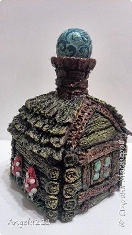 Декор предметов Мастер-класс Новый год Лепка Папье-маше Избушка бабы Яги Бумага Клей Краска Салфетки фото 1