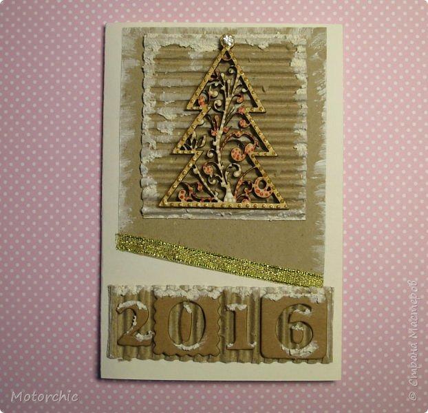 """Сегодня пошел снег. Первый. И хотя я его """"шаманила"""" при помощи новогодних подвесок со снеговиками и падающим снегом, подстраховаться вчера решила еще и новогодними открытками со снегом =) фото 2"""