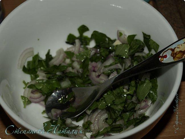 Доброе утро друзья! Спешу поделиться салатом. Хорош и на праздники и на каждый день! В составе салата вкуснейший узбекский рис. Я уже полагаю, что не все его могут купить по ряду причин. Заменить-то его можно, но не будет ни так вкусно, ни так полезно((( Замените его просто белым пропаренным или смесью или коричневым рисом. фото 7