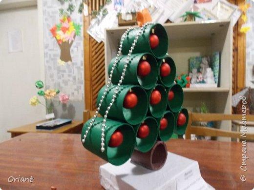 Дорогие жители Страны мастеров! Поздравляю всех-всех с Новым годом! В подарок ёлочка от моей воспитанницы Мотренко Алены (9 лет) фото 2