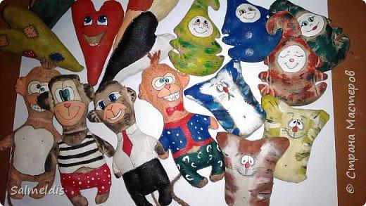 Всем доброго времени суток. Успела таки к Новогодним выходным запастись незамысловатыми игрушками. фото 1