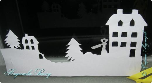 ВСЕМ Огромный Новогодний ПРИВЕТ!!!!  Хочу Поделиться своими поделками, украшениями и декорации комнат к Новому Году!  Это Ёлочка, украшена снежинок разноцветные типо конфети...)))) фото 12