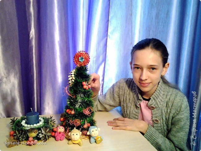 Добрый вечер,друзья!Примите наши с Ксюшей-моей ученицей-самые теплые поздравления и пожелания счастья,добра и творческих находок!С НОВЫМ ГОДОМ!!!УРА! В эти прекрасные дни хочу показать вам новогодние подарки,которые мы подготовили с Ксюшей.А еще-большую работу,выполненную впервые-панно из соленого теста! фото 12