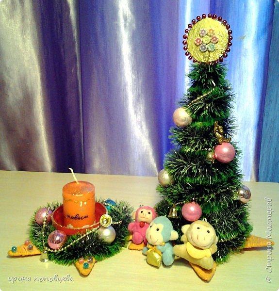 Добрый вечер,друзья!Примите наши с Ксюшей-моей ученицей-самые теплые поздравления и пожелания счастья,добра и творческих находок!С НОВЫМ ГОДОМ!!!УРА! В эти прекрасные дни хочу показать вам новогодние подарки,которые мы подготовили с Ксюшей.А еще-большую работу,выполненную впервые-панно из соленого теста! фото 1