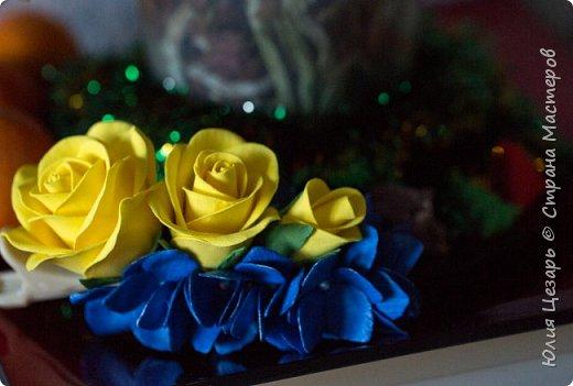 Желтые розы и синяя гортензия из фоамирана фото 7